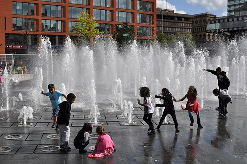 fountain in Piccadilly Gardens