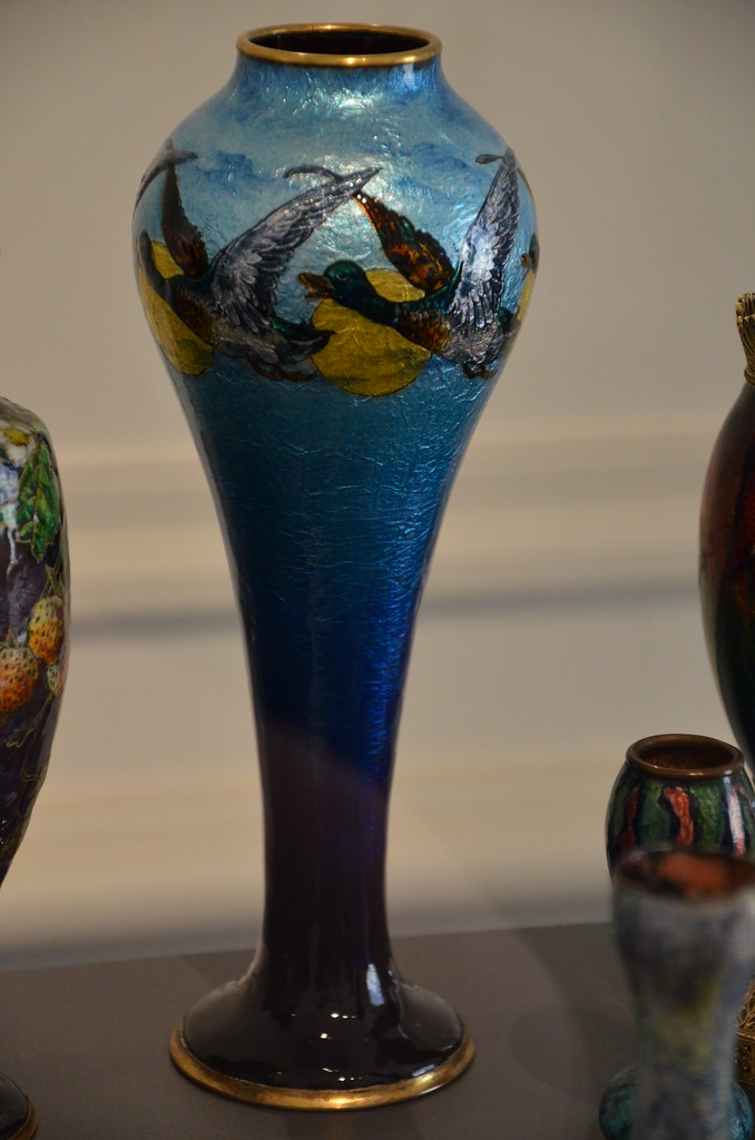 Art Nouveau - Vase en émail peint