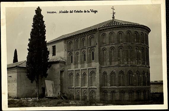 Cristo de la Vega (Antigua Basílica de Santa Leocadia) a principios de siglo. Hacia 1934
