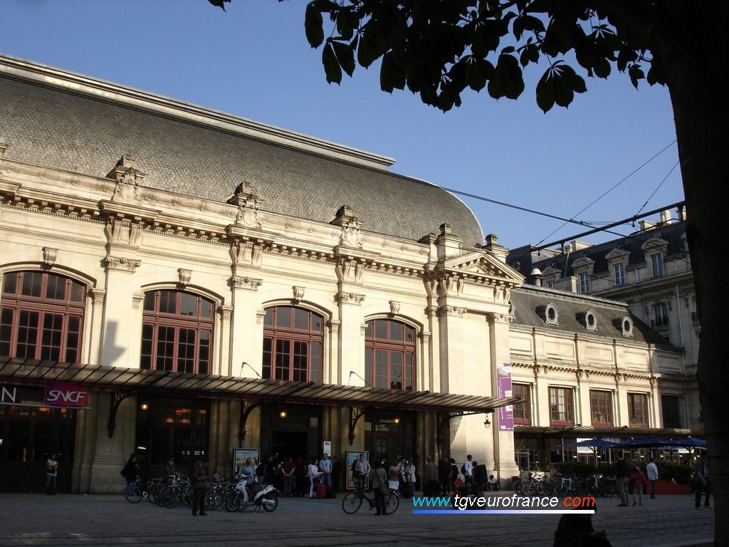 Détail du bâtiment voyageurs (BV) de la gare de Bordeaux