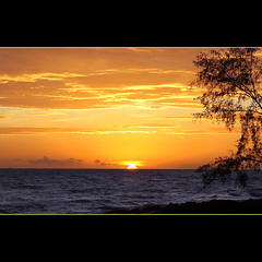 Sunset in Phuquoc (JannaPham) Tags: ocean trip travel light sunset sea sky sun holiday seascape reflection water sunrise canon landscape island eos golden vietnam explore 5d frontpage phuquoc calmness markii kiengiang project365 90365 jannapham