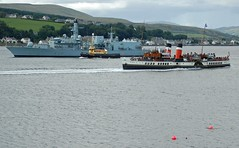 (Zak355) Tags: ship tug warship royalnavy paddlesteamer isleofbute rothesaybay pswaverley hmsargyll sdomagh f231