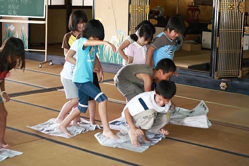 2009順光寺サマースクール 新聞島競争