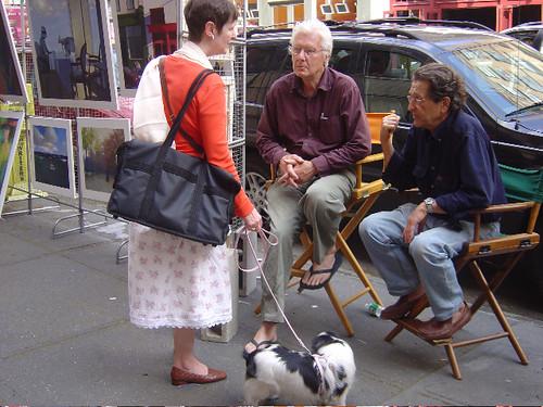 Aebi mit einem Künstlerkollegen vor seinem Haus am West Broadway, SoHo, New York.