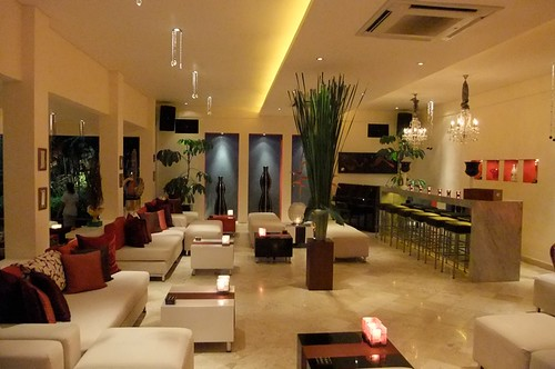 Mozaic Lounge Area