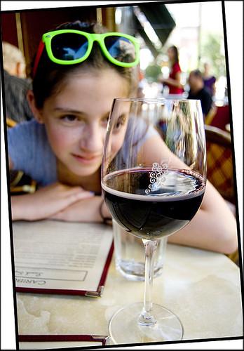 wine-pour-line