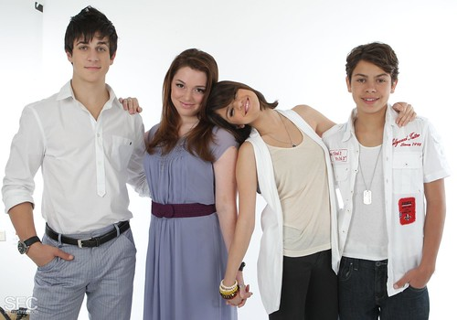 wizards of waverly place cast. wizards of waverly place cast
