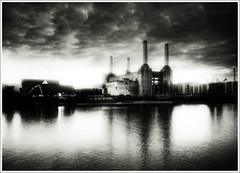 """The pig has left the building!"".. (jetbluestone) Tags: pink london animals thames river dark mono mood power icon floyd battersea batterseapowerstation stationhdr"