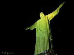 Cristo Redentor - 78 anos - Happy BirthDay (.**rickipanema**.) Tags: rio riodejaneiro night nightshot cristoredentor corcovado noturna nocturne rickipanema nikoncoolpixp80 rio2016 olimpiadas2016 thestatueofchristoftheredeemer