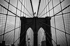 The Brooklyn Bridge Shot that Everyone Has (Neil Ta | I am Bidong) Tags: new york nyc bridge bw white ny black brooklyn canon 24105mm 40d neilta iambidong