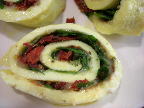 Spinach and Cheese Omelette Roll Ups