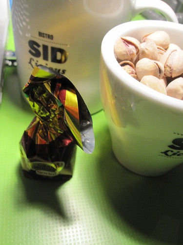 Italian chocolate and pistachios - free snack from the bistro