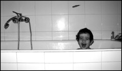happy boy (marta6669) Tags: smile bagno cerotto vasca ettore