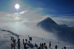 Sunshine at Hintertuxer Gletscher (dali@flickr) Tags: snow ski alps skiing bluesky glacier alpen gletscher austrian glacial mountans  hintertuxer