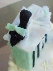 Fondant Shoe (CupCakeBite/Cup Cake Pantry) Tags: carrotcake whitechocolate shoecake shoppingcake cupcakepantry