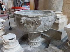 Cefalu, Dóm keresztelőmedencéje (ossian71) Tags: olaszország italy italia szicília sicily cefalu épület building műemlék sightseeing templom church középkori medieval