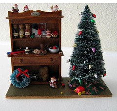 miniature christmas projects in dollhouses room boxes and dioramas - Miniature Christmas Decorations For Dollhouses