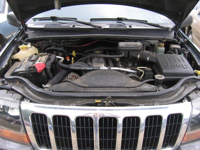 2000 Jeep Grand Cherokee engine