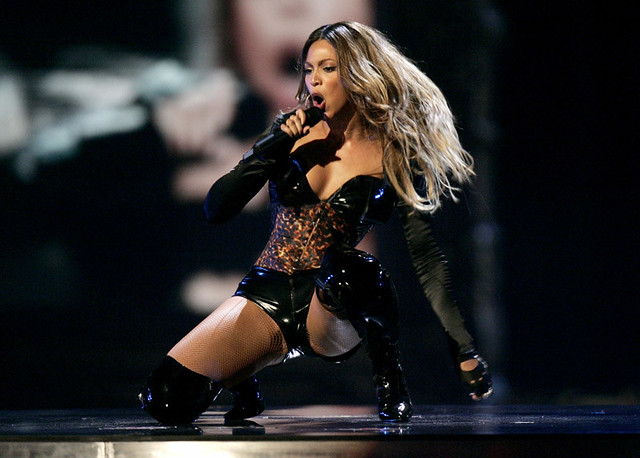 Beyonce_Knowles_at_the_MTV_VMA1_44f8297592dae.jpg by themba72