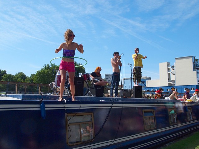 Canal gig