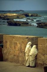 Essaouira, Morocco, 1996 (Photox0906) Tags: sea mer rocks niceshot horizon atlantic morocco maroc walls essaouira m