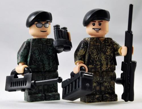 custom minifig ACU soldiers