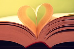 """Books are men of higher stature; the only men that speak aloud for future times to hear"" (Love is the key) Tags: look vintage word reading book words twilight dof heart pages bokeh shaped shapes libro books libri dreams passion saga cuori cuore parole forma leggere sogni parola passioni pagine"