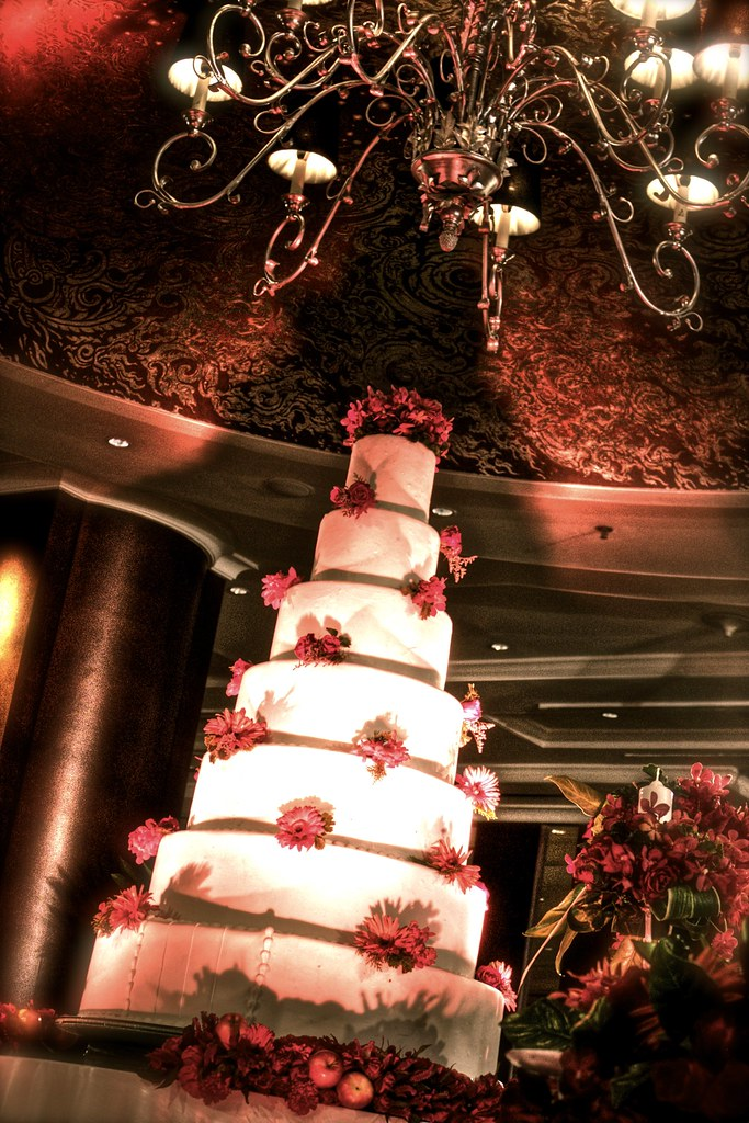 Bangkok Wedding InterContinental Crimson Red Cake 2
