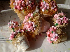Flores de tecidos (Irene Sarranheira) Tags: flores de tv revista infantil casamento decoração tecidos passoapasso lembrançasdebatizado dicasetruques