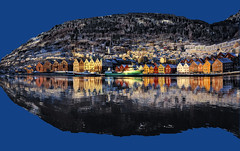 A Fish Called Bergen Town (aha42 | tehaha) Tags: winter sea snow nature water norway reflections boats boat norge ship ships gimp h2o getty bergen bryggen flipped vgen noreg distortions thewharf sigma1020 nikond60 overtheexcellence colorefexpro30 nikoncapturenx2 visipix webfgsizel webfgonblacktrue gettysale1 monicaforslag