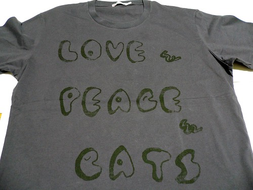 """LOVE & PEACE & CATS"""