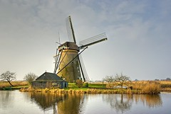 Dutch Windmill (henx fotojam) Tags: holland mill water netherlands windmill dutch moulin vent three nederland boom bas pays kinderdijk molen windmolen delange
