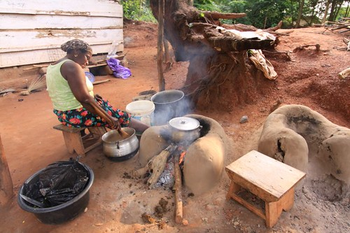 Outdoor kitchen, Ghanaian style