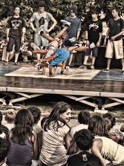 Un torbellino (the machine) (Isidr☼ Cea) Tags: people kids gente ames breakdance baile chicos cs4 bertamirans olympuse520 topazadjust