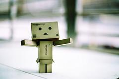Give me a sunny day! (C.L.I.W) Tags: sunny day tired rain danbo danboard robot toy japanese amazoncomjp cute hug 阿楞 阿愣 紙箱人 公仔 nikonfm2 nikkor50mmf14ais film agfavista100