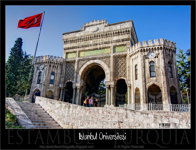 Estambul - Puerta de la Universidad