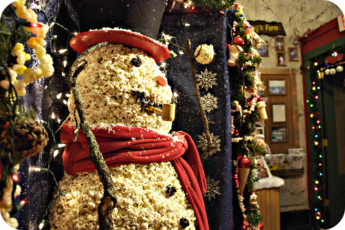 Yes this is a popcorn ball snowman!