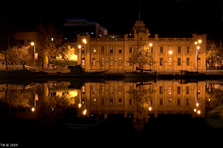 Hobart at night