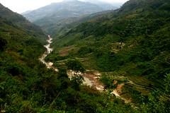 Vietnamese Valley (Photocritic.org) Tags: southeastasia vietnam canoneos450d vietnam2009 vietnam2009pt2