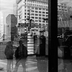 Going to School / 20091201.7D.00847.P1.L1.SQ.BW / SML (See-ming Lee  SML) Tags: city nyc newyorkcity school people urban bw newyork reflection nycpb silhouette brooklyn photography blackwhite going forms gothamist sq 2009 downtownbrooklyn sml ccbysa seeminglee smlphotography 200911 20091201