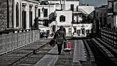 2017-02-15_07-44-08 (mazzottaalessandra) Tags: otranto italy contrasto canon street strada ponte signora life camminare walking walk contrast prospettiva profondità urbanlife everydaylife shopping