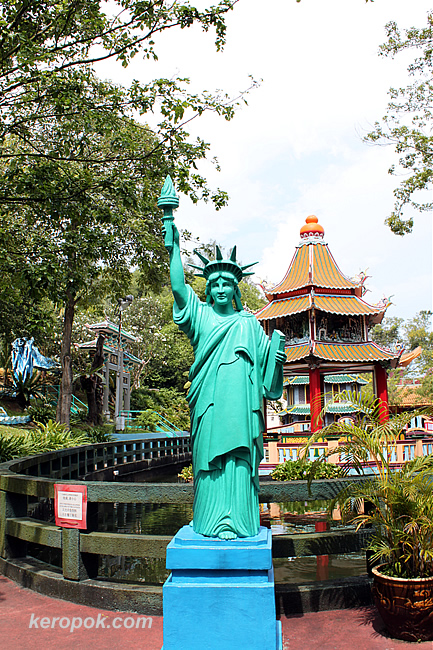 Statue of Liberty at Haw Par Villa