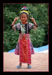 Total darling (SLpixeLS) Tags: portrait girl thailand temple asia little thaïlande chiangmai asie wat doisuthep fillette digitalcameraclub platinumheartaward chiangmaistar earthasia flickrestrellas memorycornerportraits