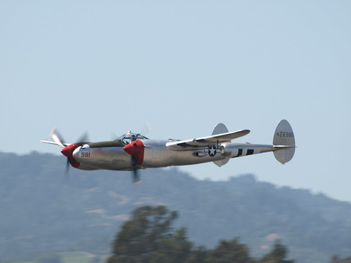 Warbird picture - P-38 Lightning Flyby