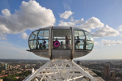 The Eye of London (Armando Maynez) Tags: voyage inglaterra trip travel viaje vacation england london eye nikon snapshot londres traveling nikkor armando vacaciones turista d90 ferrywheel anglaterre 18200vr ruedadelafortuna maynez langlaterre