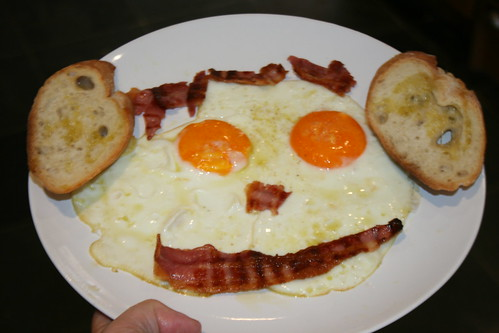 Sunday Brunch: food with a face