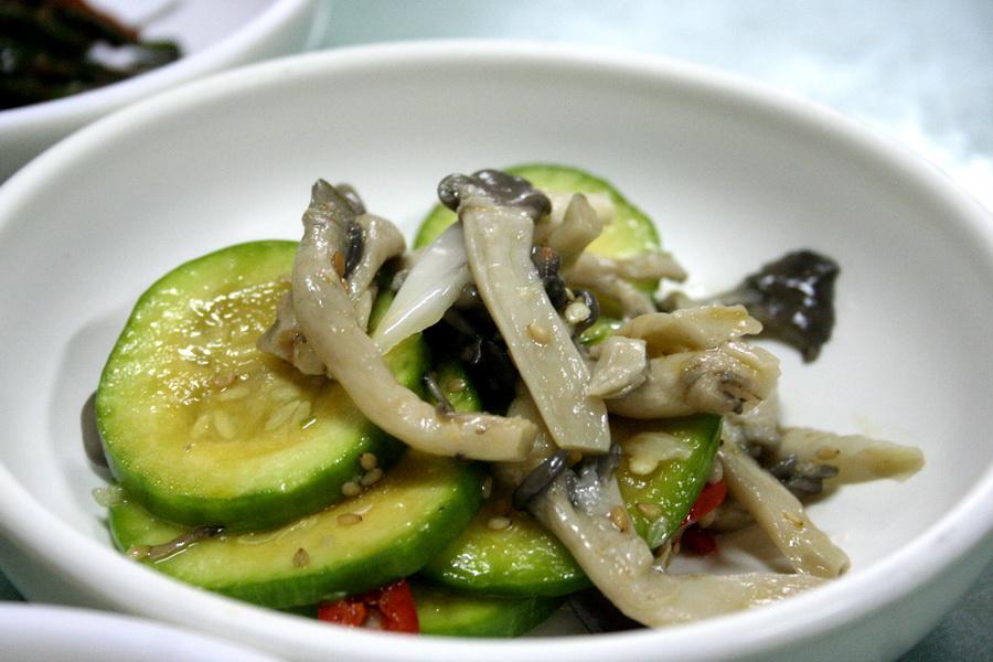 Zucchini and mushroom