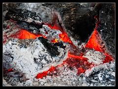 Brasas (David A.R.) Tags: kdds vigo rio barosa david araujo davidar canon eos 40d tamron 1750 fuego ceniza brasas incandescente