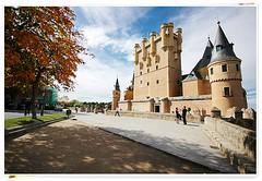Vista del Alcazar de Segovia (chasquito el roncoso) Tags: espaa colors flickr nikond70 colores fotos segovia estrellas sigma1020mm kartpostal photogr