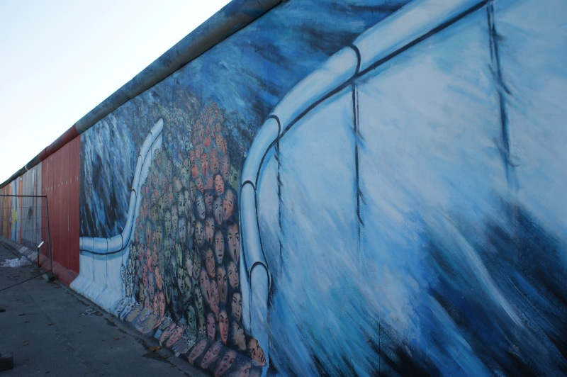 Amazing Abstract Paintings on the Berlin Wall